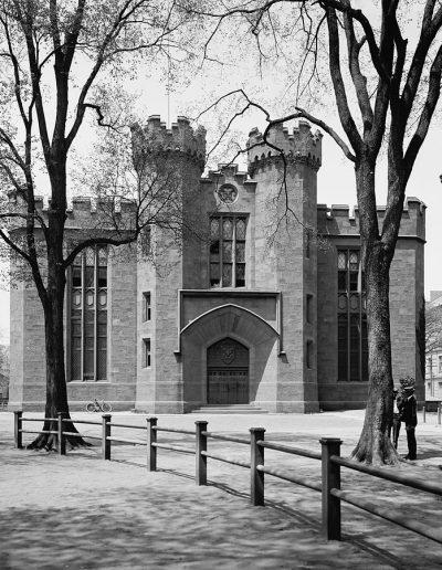 Yale University 5